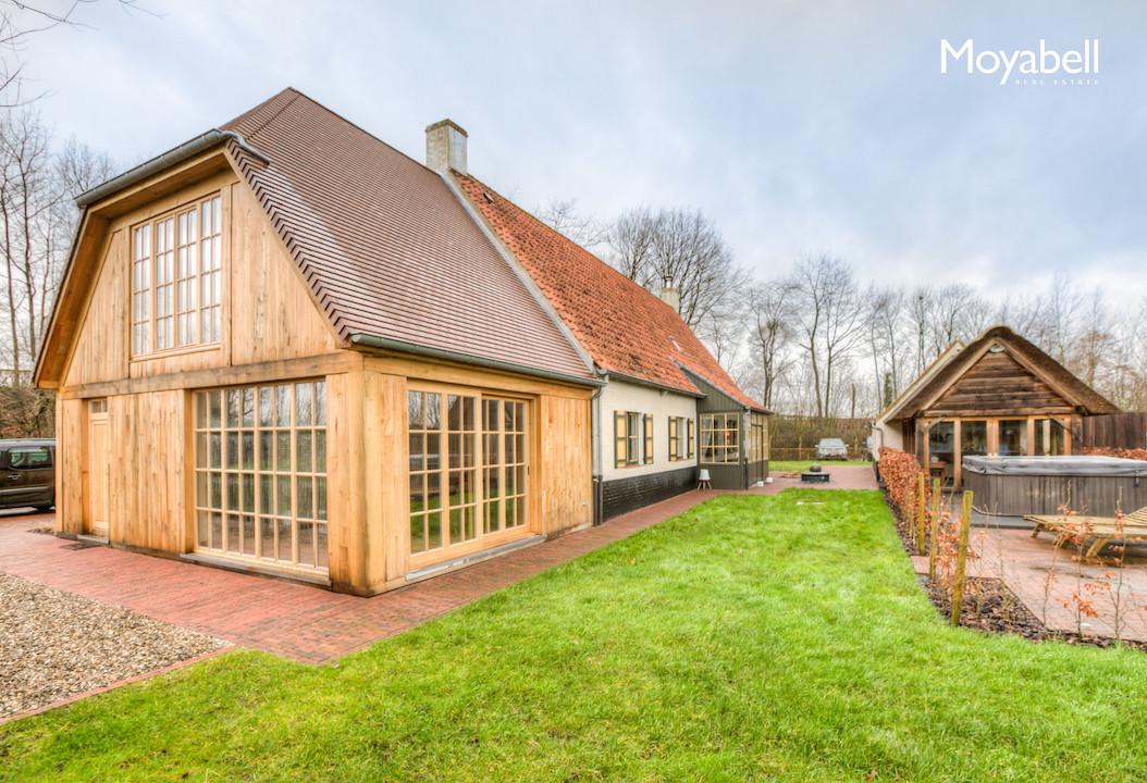 Exclusieve vernieuwbouw hoeve op een prachtig domein van 13.000 m2