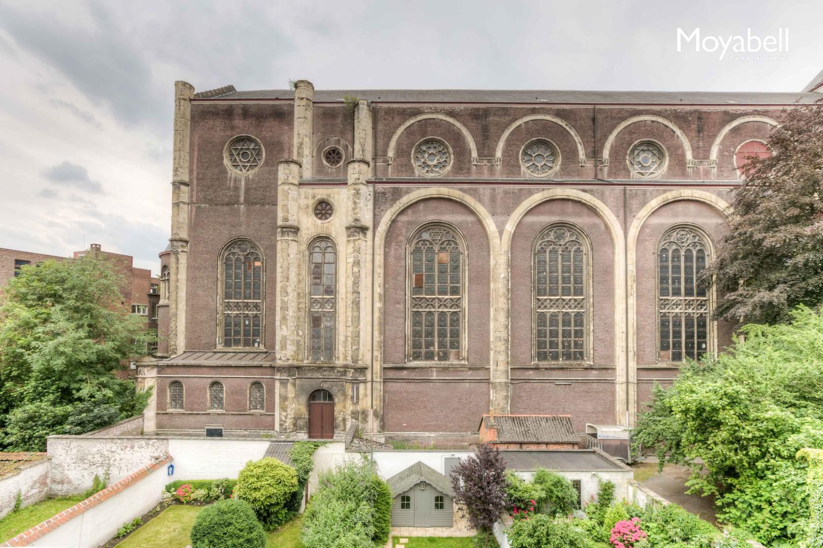 Gerenoveerd herenhuis met 100 m2 tuin en garage in centrum Gent