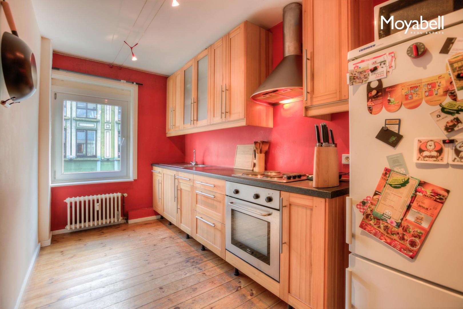 Ruim 2 slaapkamer appartement van 105 m2 op wandelafstand van de Kouter te Gent.