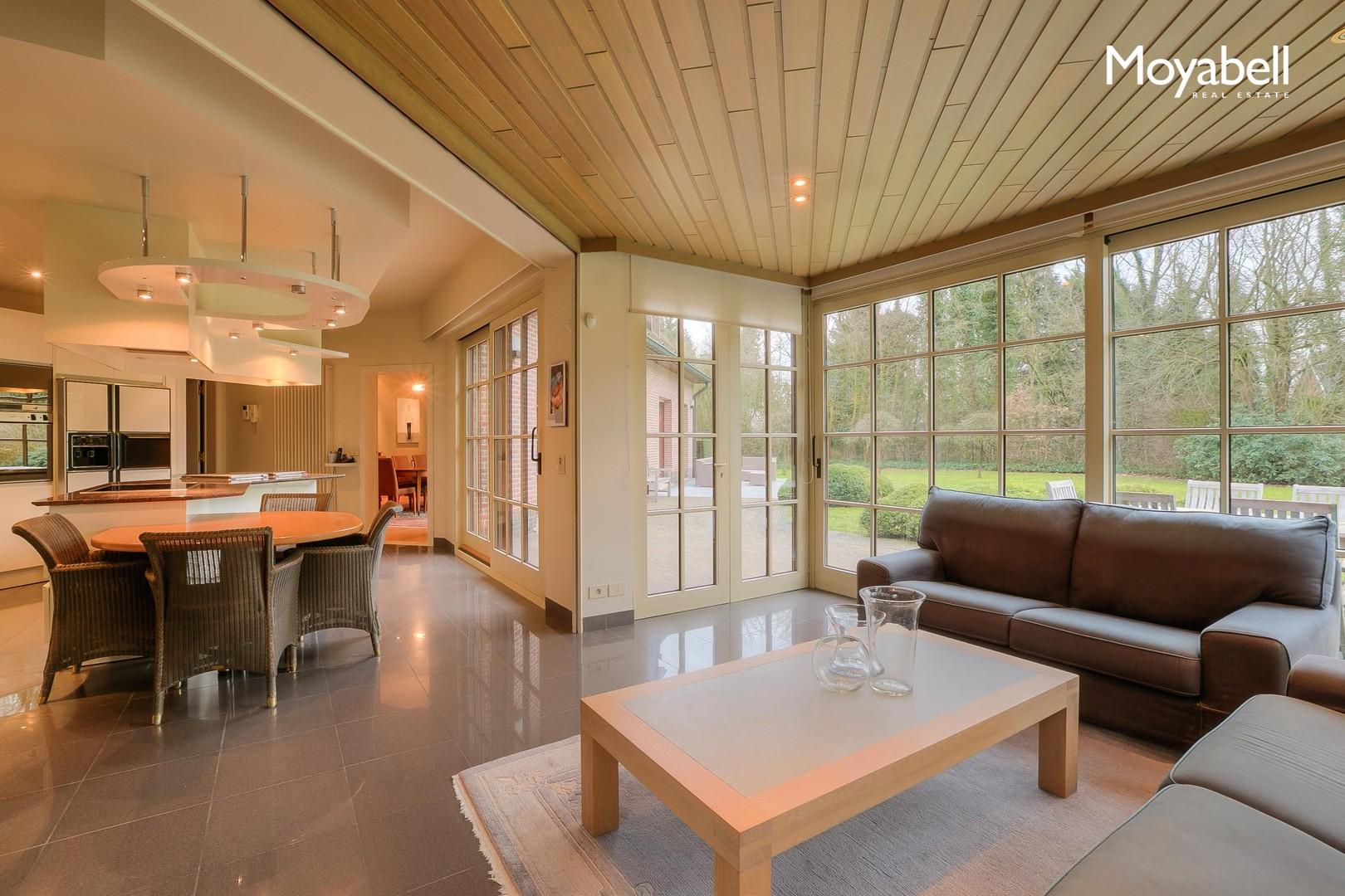 Top gelegen villa in groene omgeving met praktijkmogelijkheden