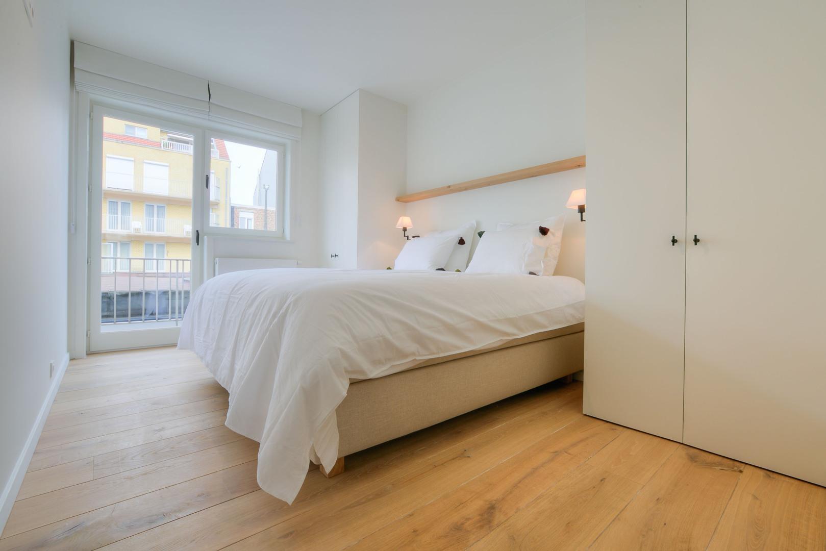 Luxueus 2 slaapkamers appartement gelegen tussen de zeedijk en het Duinenwatermeer