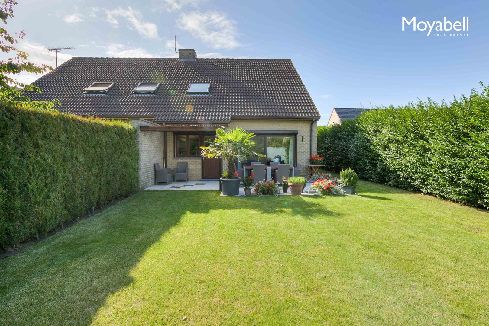 Rustig gelegen moderne woning met tuin en garage