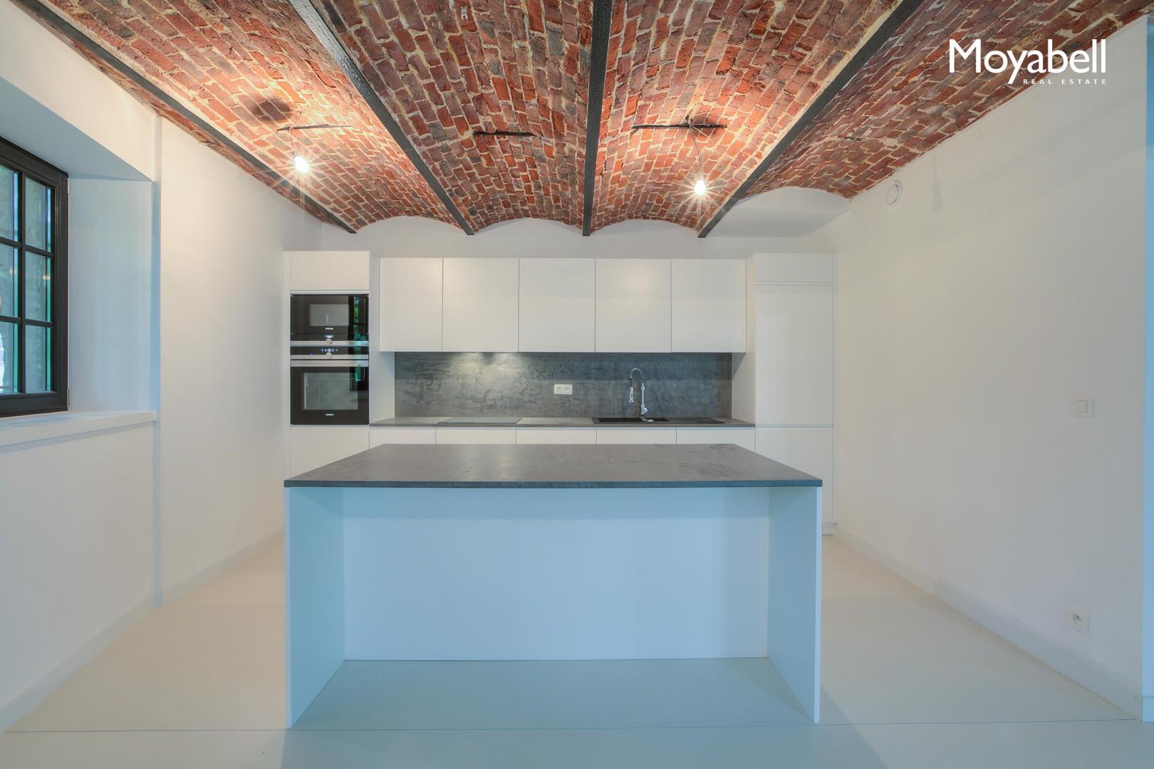 Exclusief woonproject van 20 luxueuze woningen in een domein van ca. 1ha.